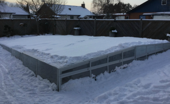 Excelite swimming pool enclosure strong to save the pool from snow