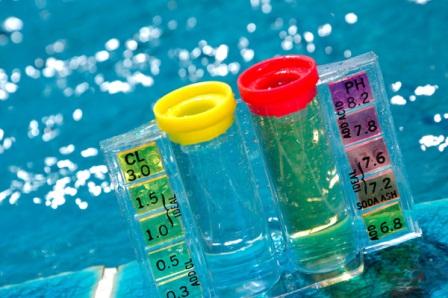 testing_pH swimming pool