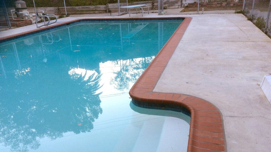 16 benefits of excelite polycarbonate swimming pool - How much water in a swimming pool ...