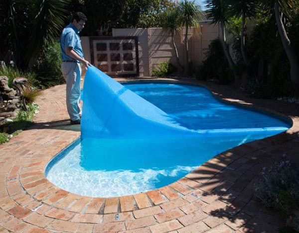 Pool Covers: The Definitive Guide to Protect Your Swimming ...