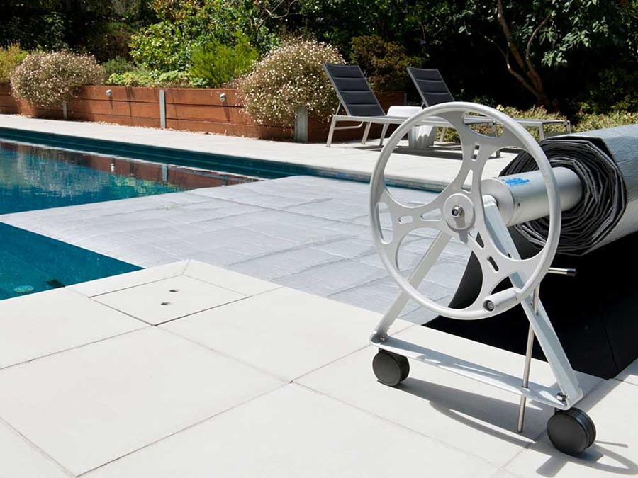 Pool Covers: The Definitive Guide to Protect Your Swimming Pool ...